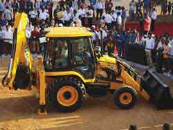 JCB India launches all new ecoXpert Backhoe Loader, NXT series, Quarry Master range of Excavators, and side engine Telehandlers