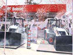 B900 Backhoe Loader from Doosan Bobcat unveiled