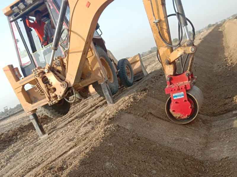 Surelia Engineers Innovative Vibratory Roller Attachment for Backhoes & Excavators