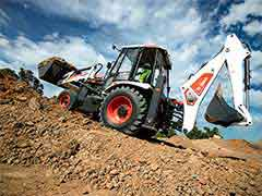 Bobcat B900 Backhoe Loader from Doosan Bonbcat