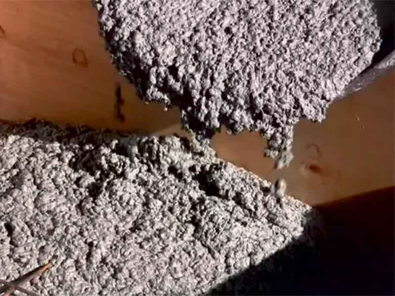 Mechanical Properties of Geopolymer Concrete with Alternative Materials