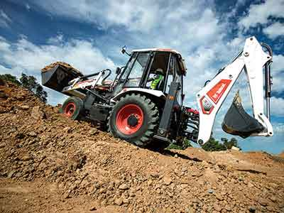 DOOSAN BOBCAT sets up its first Indian facility to manufacture B900 Backhoe loader