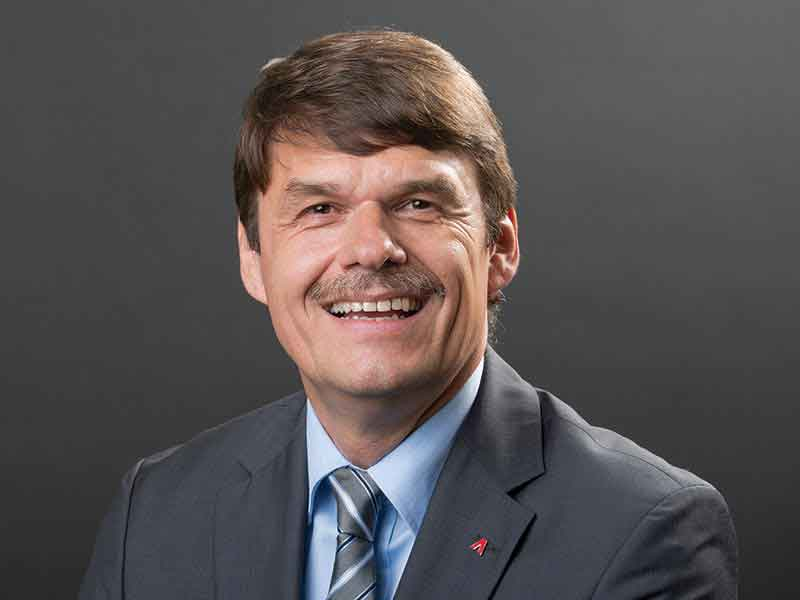 Dr. Hans-Friedrich Peters, Executive Vice President of Ammann's Plants Division