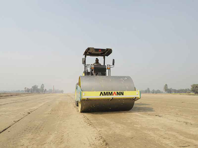 Ammann Compactors in operation at the 6-lane Purvanchal Expressway