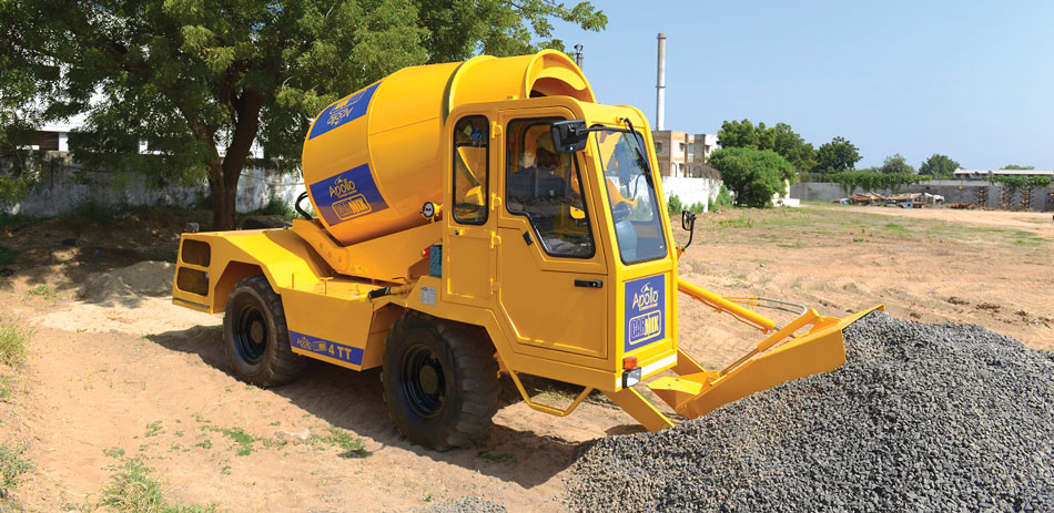 Self Loading Concrete Mixer 4TT