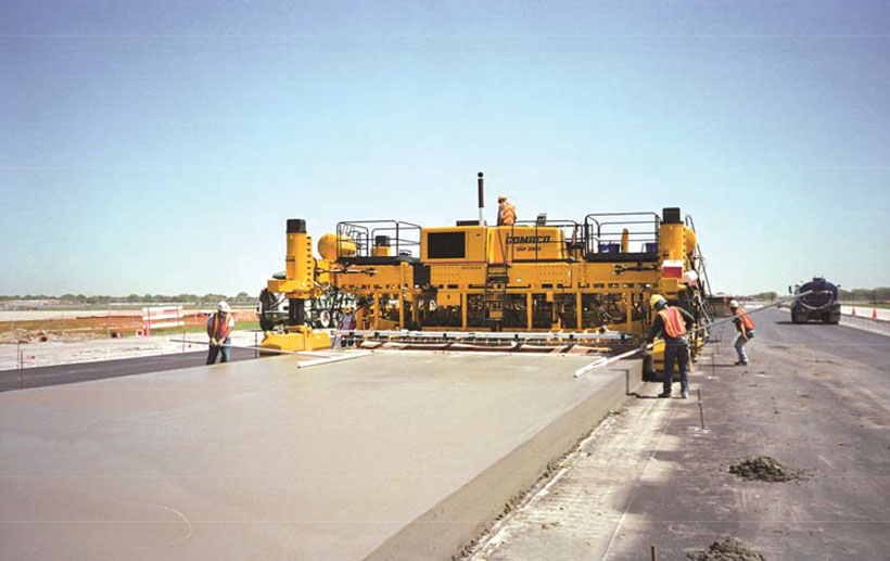 Concrete slipform pavers latest technologies and paving for Cemento pulido exterior