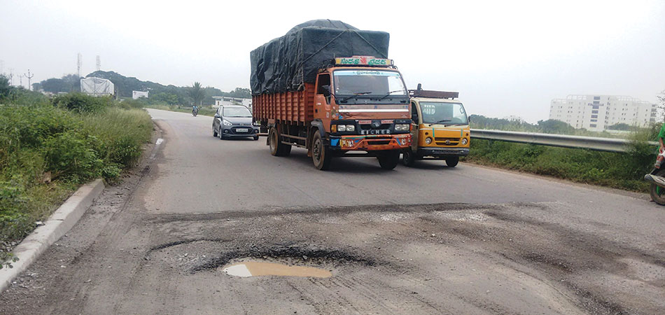 Why do many roads constructed in India fail prematurely