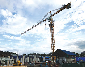 CB Construction using Potain tower crane for Malaysia's largest mall
