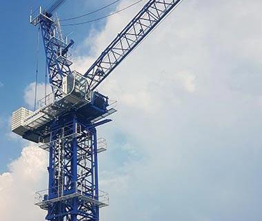 2 new luffing-jib cranes by Tower crane manufacturer COMANSA