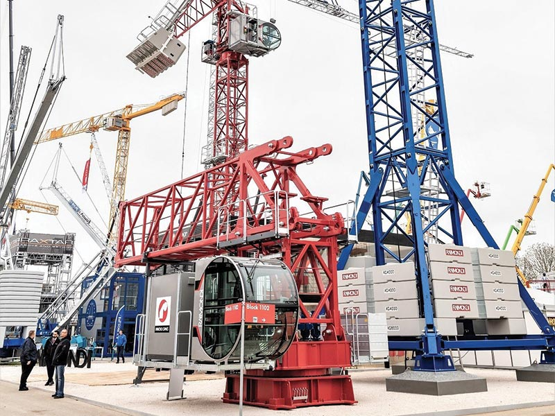 Raimondi Showcases 3 Cranes - Luffing & Tower