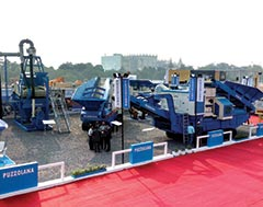 Puzzolana displays Diesel Electric Crawler units and Sand Washing Systems