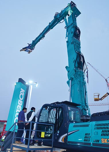 Kobelco displays wide range of machines