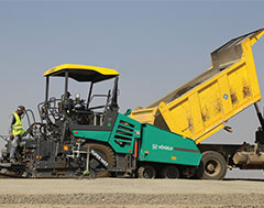 Bringing quality and safety to Indian roads The VÖGELE wheeled paver SUPER 1403