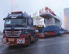 Mammoet Transports 420 tons Nacelle on NICOLAS MHD G II