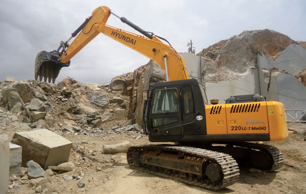 Excavators: OEMs Look for Longer Business Cycles