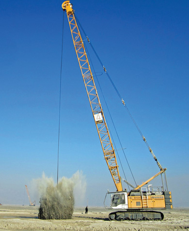 Liebherr HS8100 Crawler Crane Dynamic Soil Compaction