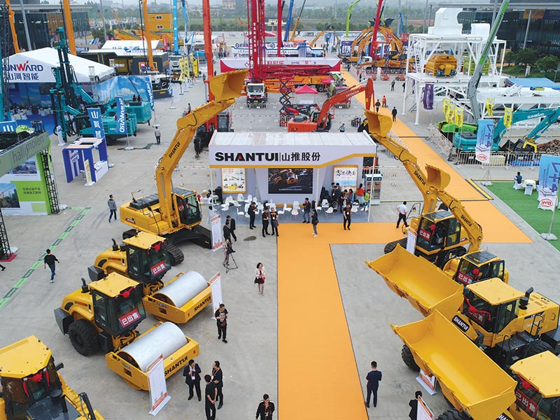 SHANTUI Displays 8 New Products