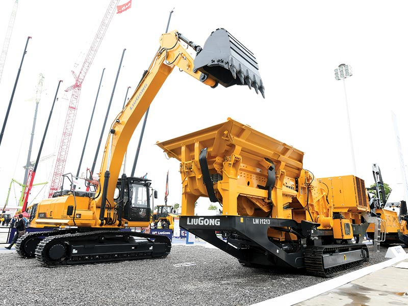 LiuGong Showcases 26 Machines