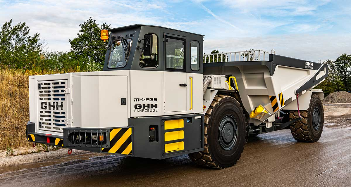 The MK-A35 dump truck from GHH is the first in its class with ultra-clean Stage V diesel engine (Photo: GHH)