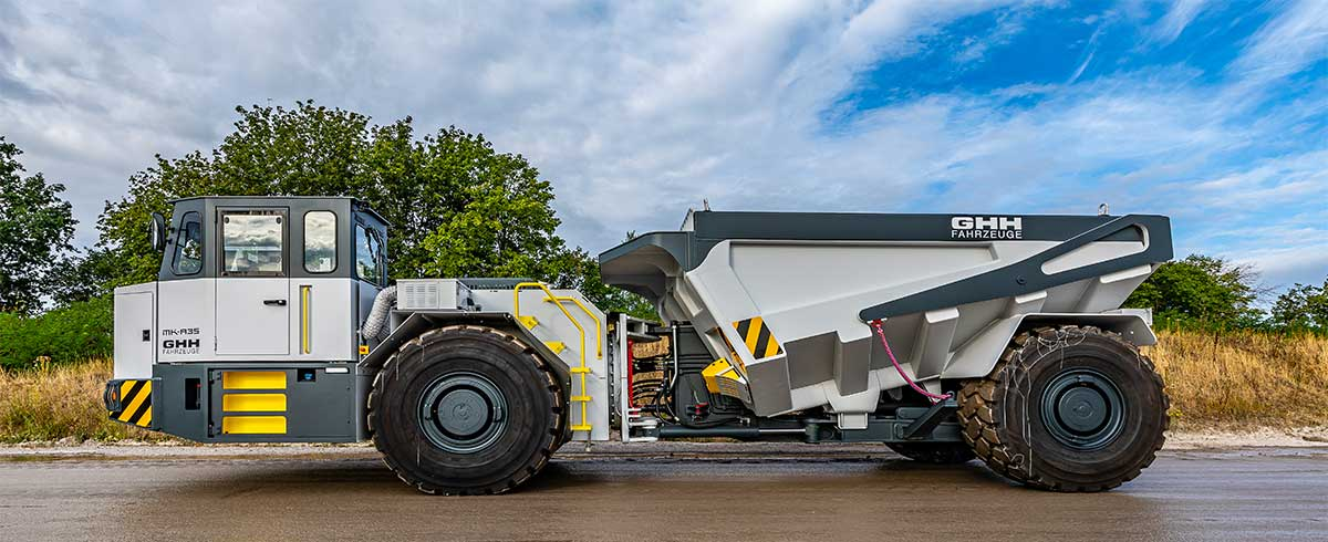 The tipper is available with different troughs from 13 to 23 m3 volume (Photo: GHH)