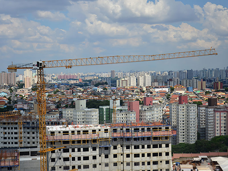 Liebherr tower cranes build residential project in the heart of São Paulo