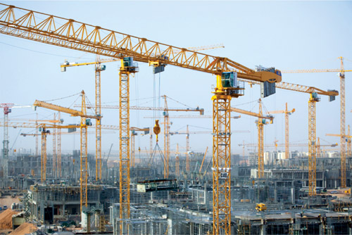 Manitowoc Cranes Build Large Saudi Arabian University
