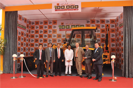 JCB India Unveils Its 100,000th Machine