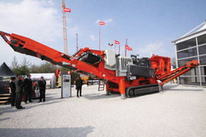 Sandvik unveiled two new breakers BR3288 and BR4099
